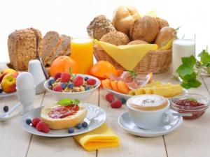 نرم افزار رژیم درمانی ، رِژیم درمانی ، رژیم غذایی ، صبحانه، مصرف صبحانه